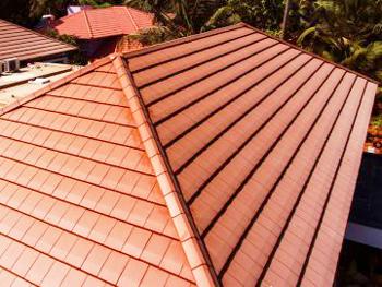 Скатен или плосък покрив